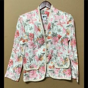 Beautiful floral long sleeve ladies jacket.
